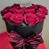 LUXURY RED ROSE HAT BOX